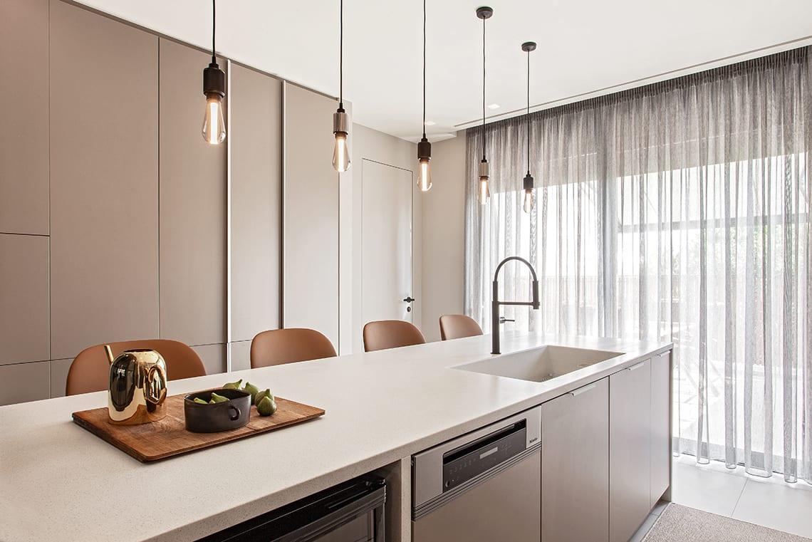 aleta stools viccarbe kitchen